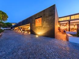 La façade de l'hôtel Praia Verde Boutique au Portugal