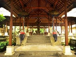 L'entrée de l'hôtel Puri Bagus Lovina à Bali