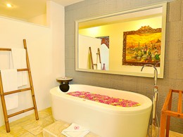 One Bedroom Romantic Pool Villa du Puri Mas Resort