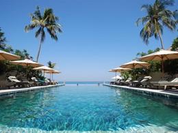 Piscine de l'hôtel Puri Mas Boutique Resort, à Lombok