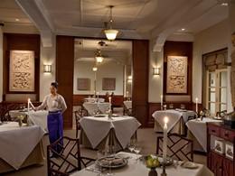 Autre vue du restaurant du Raffles Grand Hotel d'Angkor