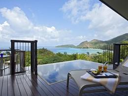 La piscine de l'Ocean View Pool Villa du Raffles Praslin