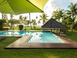 La superbe piscine de l'hôtel Raiatea Lodge