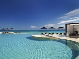 La piscine du Rosewood Mayakoba à Playa del Carmen