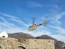 Profitez d'une balade en hélicoptère au Royal Myconian
