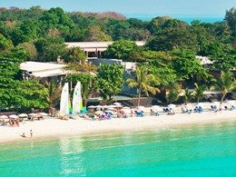 Plage de l'hôtel Sai Kaew Beach Resort en Thailande