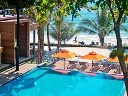 Vue de la plage du Sai Kaew Beach Resort à Koh Samet