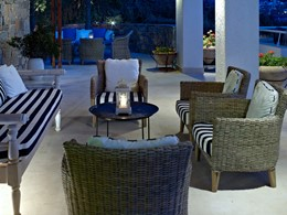 Autre vue de l'Astra Bar du St. Nicolas Bay Resort