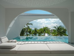 La piscine de l'Oceanfront Balcony Pool Suite