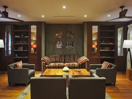 La bibliothèque de l'hôtel