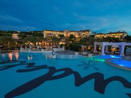 La piscine du Sandals Grande Antigua Resort aux Antilles