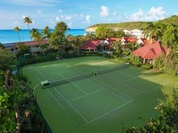 Le court de tennis du Sandals Grande Antigua Resort