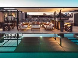 Détente sur le superbe rooftop de l'hôtel Sant Francesc