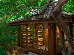 La cave à vin de l'hôtel Santhiya Resort en Thailande