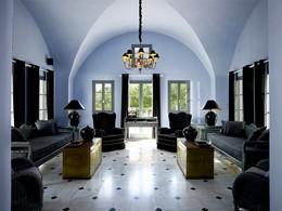 Le lobby du Santorini Kastelli Resort en Grèce
