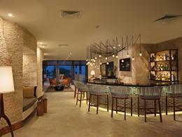 Le Rendezvous Lobby Bar