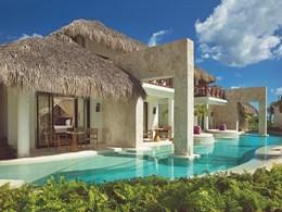 La piscine de la Preferred Club Bungalow Suite Swim Out