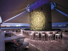 Pearls & Caviar Rooftop Bar du Shangri-La Hotel