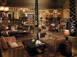 Le lobby lounge de l'hôtel Shangri-La Qaryat Al Beri