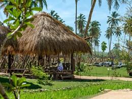 Le Shangri-La abrite un village entièrement dédié aux artisans locaux