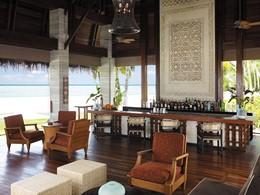 Manzaru Bar du Shangri-La's Villingili aux Maldives