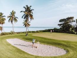 Un golf au bord de la mer