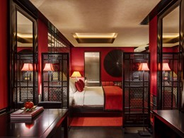 L'Opium Room Ruby qui reflète Singapour et ses couleurs expressives