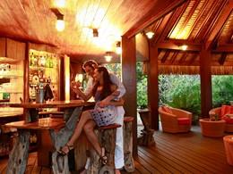 Sirotez des délicieux cocktails au bar Mako du Sofitel Bora Bora