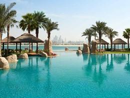La piscine du Sofitel Dubaï The Palm Resort