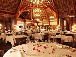 Le restaurant de l'hôtel Sofitel Moorea Ia Oa Beach Resort en Polynésie