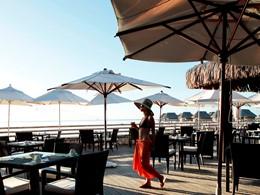 Autre vue du restaurant de l'hôtel Sofitel Moorea Ia Oa Beach Resort en Polynésie