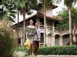 Balade dans le parc luxuriant du Sofitel Singapore Sentosa