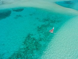 Naviguez sur les eaux claires de l'Océan Indien