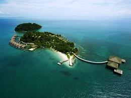 Vue aérienne du Song Saa Private Island situé sur les îles de Koh Ouen et de Koh Bong