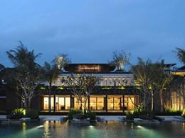 La bibliothèque de l'hôtel Soori à Bali