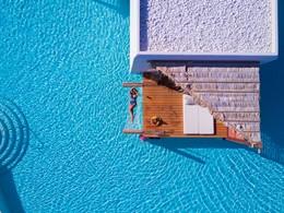 Profitez de la magnifique piscine du Stella Island