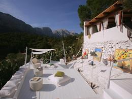 Vue fantastique sur la montagne depuis le bar Tablao