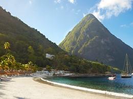 Plage de l'hotel Sugar Beach aux Antilles