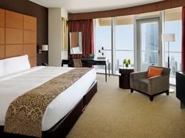 La Premier Burj View Room de l'hôtel The Address Dubaï Mall à Dubaï