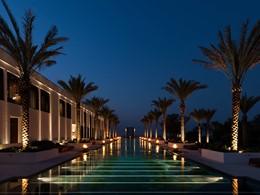 Autre vue de la piscine de l'hôtel The Chedi