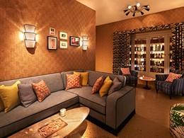 Lounge cosy de l'hôtel Confidante Miami Beach