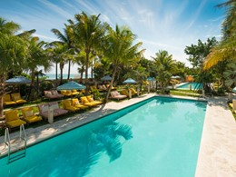 Splendide piscine au Confidante Miami Beach