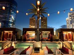 Détente au bord de la piscine du Cosmopolitan of Las Vegas