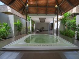 Bain à remous de l'hôtel Layana Resort en Thailande