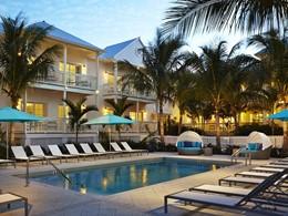 Profitez de la superbe piscine de l'hôtel The Marker