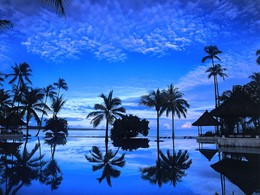 Autre vue de la piscine de l'Oberoi Lombok