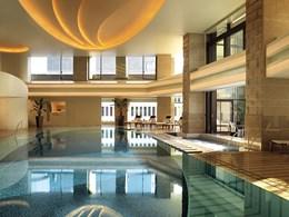 Une belle piscine en plein cœur de la ville