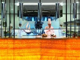 Cuisine ouverte du restaurant Blue Jade du Ritz Carlton
