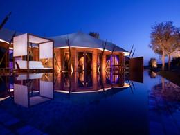 Vue exterieure de l'Al Khaimal Tented Pool Villa du Banyan Tree