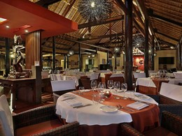 Husk Restaurant du Royal Beach Seminyak Bali
